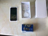 iPhone 6 with Brand new accessories on EE