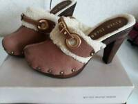 River island suede clog style shoes