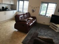 3 BEDROOM FLAT TO RENT IN HAWKSWORTH AREA OF LEEDS/BILLS INCLUSIVE/ CLOSE TO CARDIGAN FIELDS