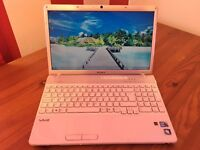 SONY VAIO PCG 71311M - INTEL CORE i3 - 8GB RAM - 300GB STORAGE - WINDOWS 7