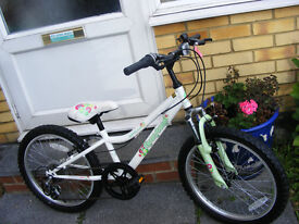 "GIRLS 20"" WHEEL BIKE WITH GEARS IN GREAT WORKING CONDITION AGE 7+"