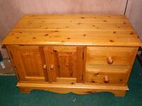 Pine drawers [h53 w89 d46]