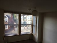 Central High Wycombe. Large double. Ensuite.