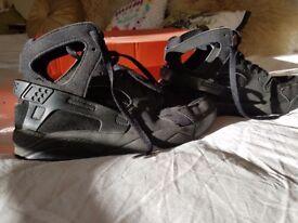 Nike huarache Uk size 5