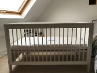 Mumas and Papas cot-bed, FREE