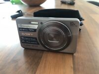 Sony cybershot camera and carry case
