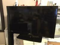 40 inch HD tv built in Freeview and HDMI and USB comes with the remote free delivery