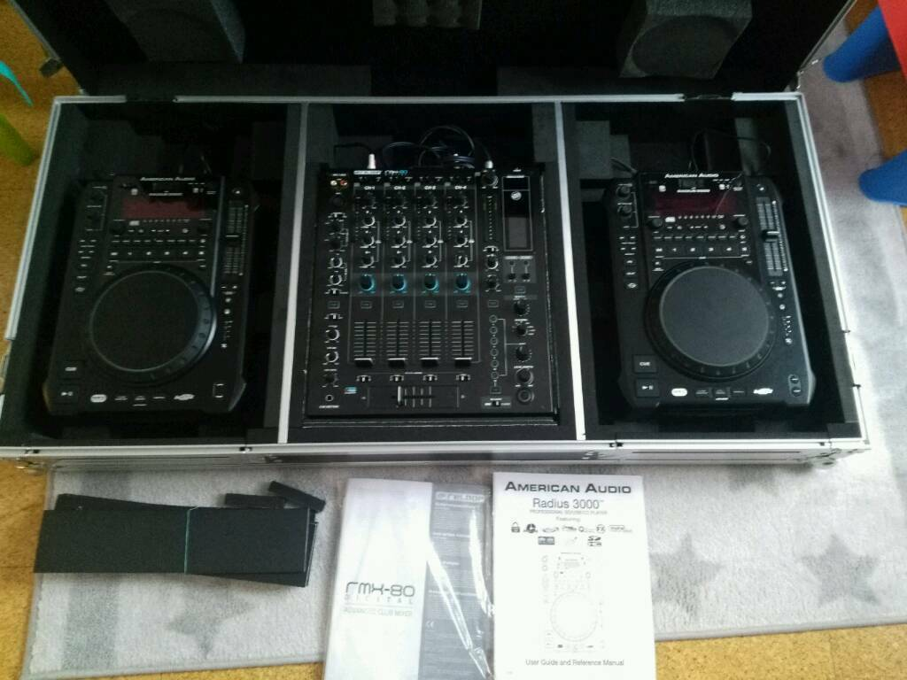 Reloop rmx80 + 2x American Audio Radius 3000 in case