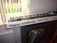ROLLAND JUNO Di IN MINT CONDITION + GIG BAG!