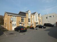 SPACIOUS AND MODERN PART FURNISHED 2 DOUBLE BEDROOM FIRST FLOOR FLAT WITH PARKING SPACE IN WINTON
