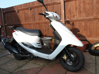 YAMAHA VITY 125 2009, 8909 MILES ONLY, EXCELLENT RUNNER.