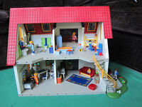 Playmobil House - fully furnished including people