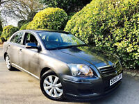 **VERY LOW MILES** TOYOTA AVENSIS 1.8 T2 5DR HATCH + FULLY SERVICED + 1 YEARMOT + SHOWROOM CONDITION