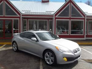 2010 Hyundai Genesis Coupe 2.0T GT!! SUNROOF!! HEATED LEATHER!!