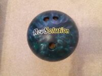 10 PIN BOWLING BALL IN ABSOLUTELY EXCELLENT CONDITION