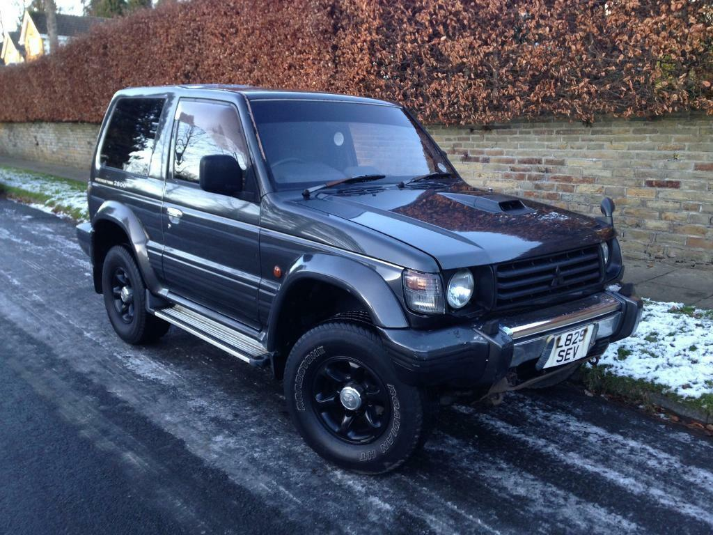 mitsubishi pajero 2 8 td automatic clean 4x4 jeep in bradford west yorkshire gumtree. Black Bedroom Furniture Sets. Home Design Ideas