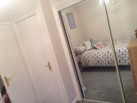 Double room available to rent for house share