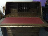 Oak bureau ( Locks)