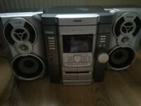 Sony MHC-RG22 Stereo Hifi with Speakers - FM radio, 3CD changer, Double Cassette Deck