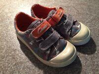 Boys 6.5G Clarks shoes