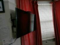 """Samsung smart 3D Tv 48"""" with box excellent condition"""
