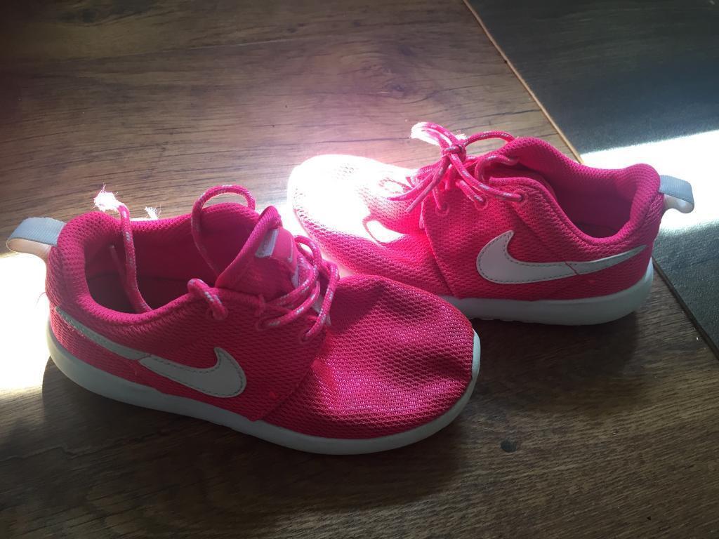 Genuine Nike Roshe