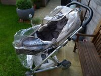 Great bargain 3 in 1 - PRIMO VIAGGIO CAR SEAT + Base ISOFIX + MOSES BASKET + PRAM from MAMAS&PAPAS