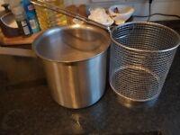 Pasta pan and basket