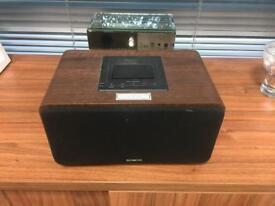Sandstrom iPad or iPod docking wireless Bluetooth speaker in original box