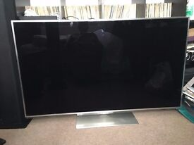 PRICE REDUCED. !!!HOME THEATRE SYSTEM inc 55 INCH SMART TV