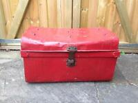 VINTAGE RUSTIC INDUSTRIAL SHABBY CHIC LARGE RED METAL TRUNK/CHEST