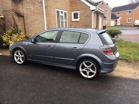 Vauxhall Astra 1.9 CDTi SRi 5dr. Diesel.