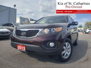 2013 Kia Sorento LX FWD | Navigation | Backup Camera | Heated Se