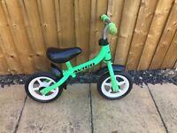 """Green avigo 10"""" balance bike"""