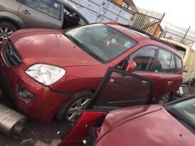 BREAKING KIA CARENS CAR PARTS SPARES