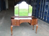 VINTAGE QUEEN ANNE LEG SERPENTINE FRONT WALNUT DRESSING TABLE FREE DELIVERY IN GLASGOW AREA