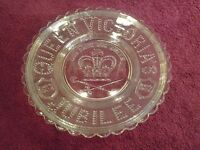 ANTIQUE VINTAGE 1887 QUEEN VICTORIA GOLDEN JUBILEE PRESSED GLASS PLATE-IN VINTAGE GOOD CONDITION