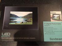 "Brand New Never Used Sandstrom 7"" Digital Photo Frame - Worth Over £80"