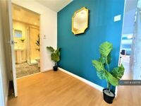 5 bedroom house in Falmouth Road, Newcastle Upon Tyne, NE6 (5 bed) (#1061776)