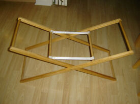 LARGE FOLDING WOODEN BABY MOSES BASKET STAND - LOW FLOOR HEIGHT