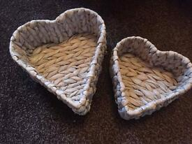 Small wicker love heart baskets