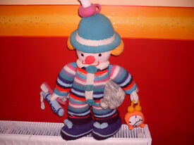 HAND KNITTED PEOPLE- VERY UNUSUAL-THE PAIR FOR £8