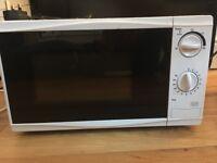 Tesco Solo Microwave MM08 Value, 17L - Black & White