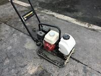 Équipement pour pavé uni , asphalte . Réparation - pose