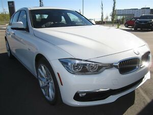 2016 BMW 3 Series 328i xDrive- Luxury Line- Navi, leather, alloy