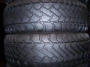 245-40R19 > HIVER , 2 pneus usagés .