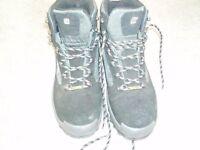 Mens Size 11 Berghaus Walking Boots - Black