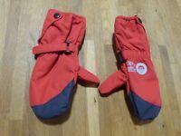 Spotty Otter waterproof fleece lined mittens - red kids size medium 12-36m