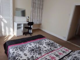 5 Fully furnished Single/Double Rooms available in a shared property