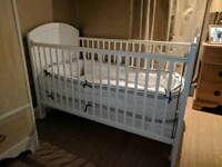 Cot bed and bumper